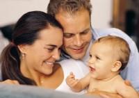 bebelus mariaj 200x141 Este mariajul afectat de nasterea unui copil?