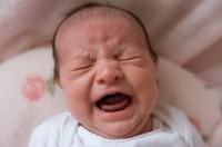 newborn crying 200x132 Metode pentru a face copilul sa doarma noaptea