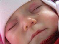 bebe racit1 200x150 Simptomele de raceala la bebelusi si remedii