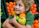 Mancam fructe sau bem suc proaspat preparat?