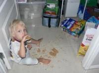 pedeapsa 0 2 ani2 200x149 Disciplinarea copilului la varsta de 2 ani