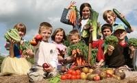 micii cultivatori 200x121 Cum il convingi sa manance legume