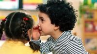 copii susuotind 200x112 Cand copilul nu vorbeste intarzierea vorbirii la copiii mici