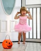 fetita cu tantrum 162x200 Ce este tantrum ul sau accesele de furie ale copiilor?