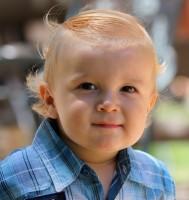 baietel 14 luni 189x200 Copilul la 1 an si 2 luni