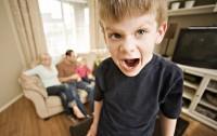baietel face tantrum 200x126 10 tehnici de prevenire si calmare a tantrum ului