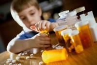 copil la medicamente 200x133 Copilul la 1 an si 8 luni