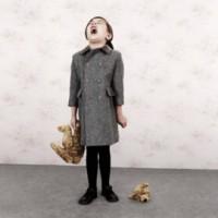 fetita urla 200x200 Cum linistim copilul cu tantrum (acces de furie)