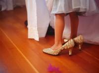 poarta pantofii mamicii 200x147 Copilul la 1 an si 8 luni