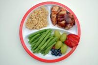 farfurie pentru cina 200x132 Idei de cina sanatoasa pentru copilul de 1 3 ani