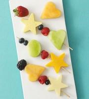 gustare din fructe 180x200 Idei de gustari pentru copilul de 1 3 ani