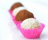 bomboane curmale nuca de cocos 200x166 Cele mai simple bomboane sanatoase