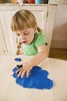 plastilina 134x200 Copilul la 2 ani si 10 luni 3 ani
